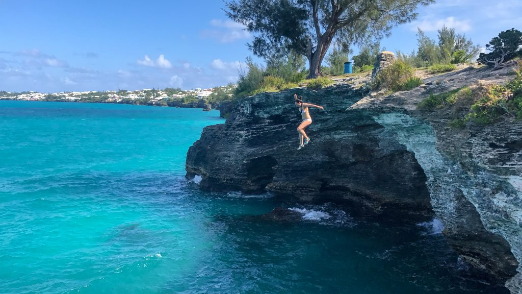 Cliff jumping into the Atlantic Ocean at Admiralty House Park in Bermuda!